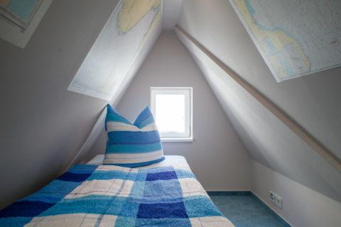 Bett im Spitzboden für 3. Person
