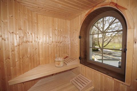 Sauna neben Badezimmer im 1. Obergeschoß
